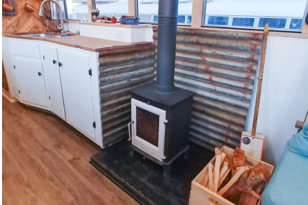 Choose the right Wood Stove for your Tiny Living Space